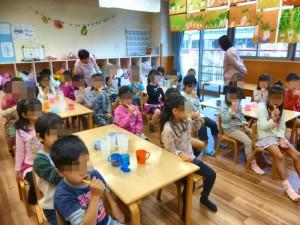 5才児クラス。犬歯の磨き方を教わりました。みんな上手に磨けているかな?
