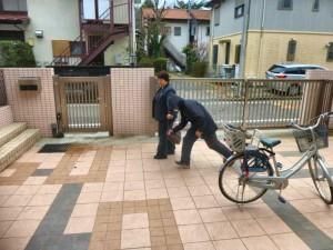 歩行中や自転車に乗っている時にひったくりにあわないための注意もいただきました。